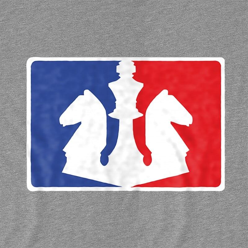 Chess Logo Póló - Ha Chess rajongó ezeket a pólókat tuti imádni fogod!